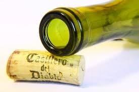 Offene Weinflasche